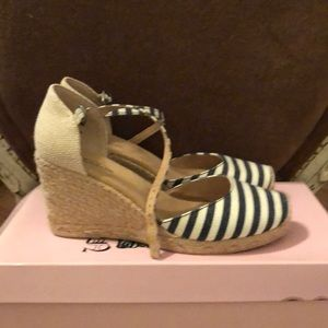 White Mountain Shoes - Wedge heels, never worn